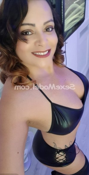 Enriqueta escorte massage lovesita à Biguglia