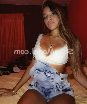 Suzie escort girl massage à Paris 5