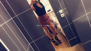 Assala wannonce escorte girl massage sensuel