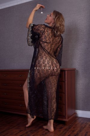 Sehriban escort girl massage tantrique tescort