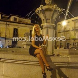 Sounya wannonce escort girl à Grenoble