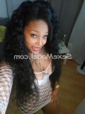 Saoussane escorte girl ladyxena à Salbris